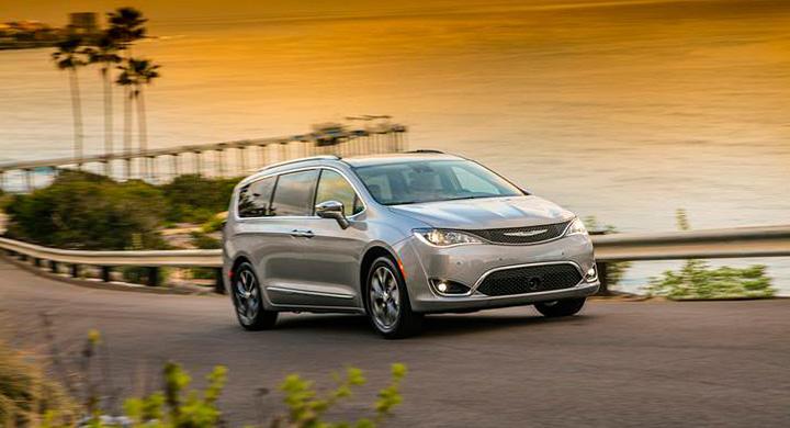 Nylanserade flexbilen Chrysler Pacifica kan bli först med Googles självkörande teknik.