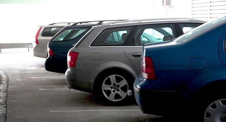 Begagnat säljer som aldrig förr och Volvo V70 toppar statistiken.
