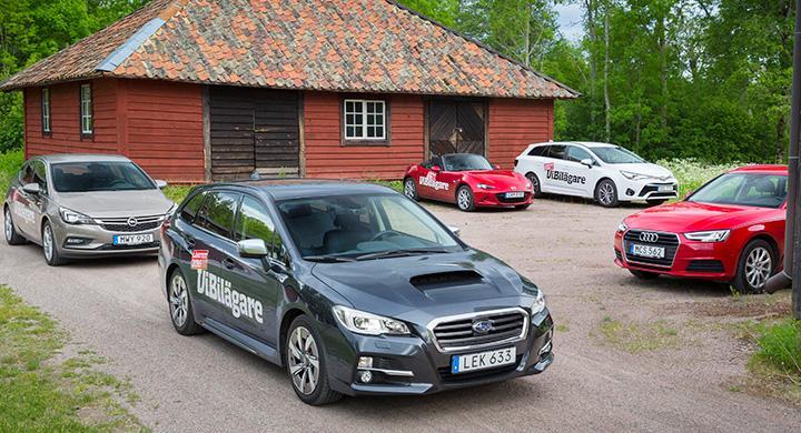 Subaru Levorg står uppställd tillsammans med de andra långtestbilarna.