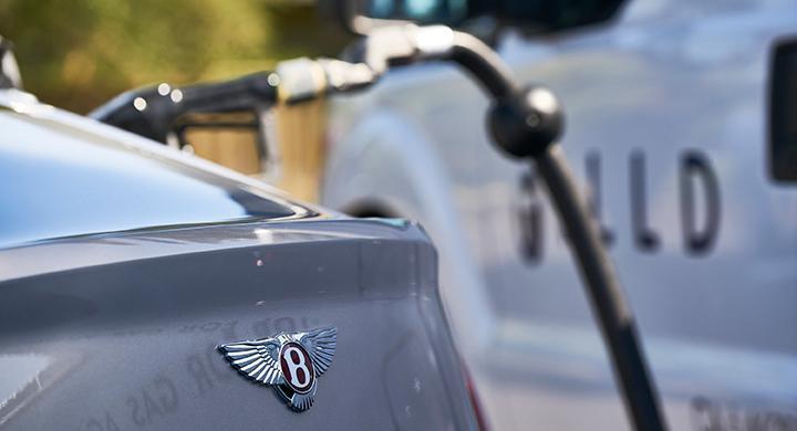 Bentley tankar bilen åt dig