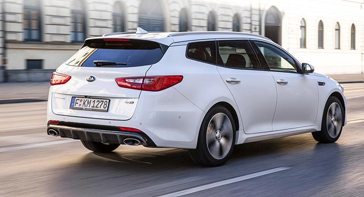 Bättre stort än aldrig. Optima Sportswagon är en knapp decimeter längre än VW Passat.