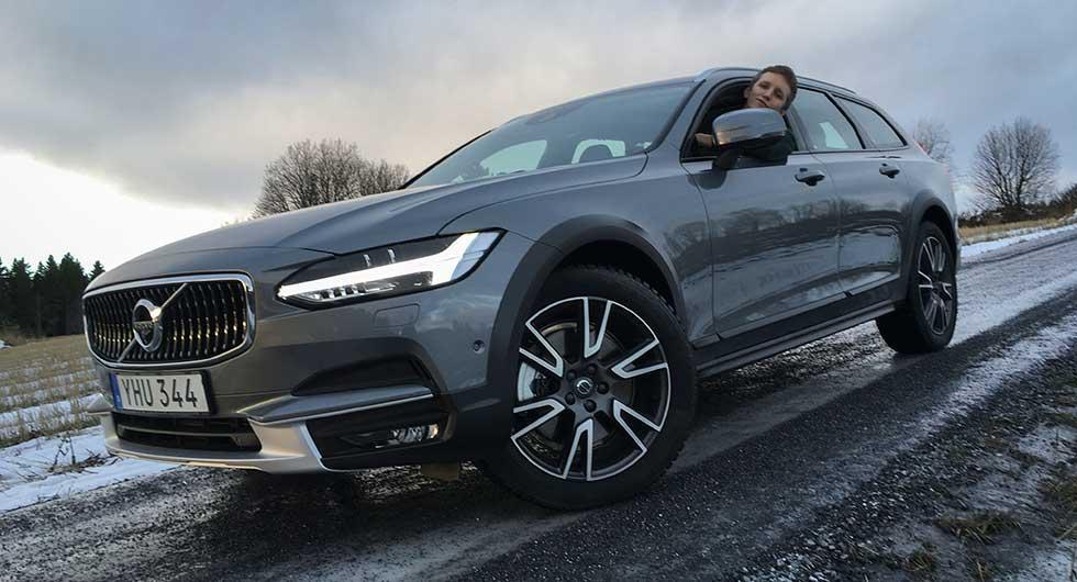 Vi Bilägares Fredrik Diits Vikström tycker att Volvo V90 Cross Country klarar vägarna kring skidorten Åre på ett bra sätt.