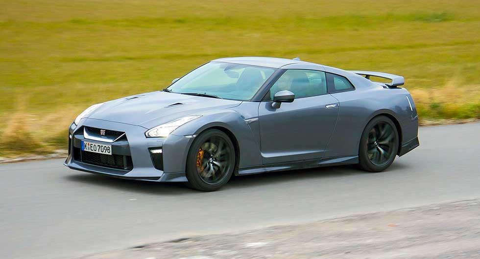 Ny front, motorhuv, karossida och aerodynamik – men helhetsintrycket består.