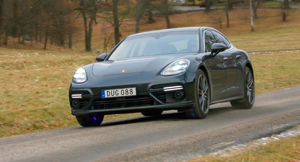 Nya Panamera ger ett slankare intryck än sin föregångare och har lånat drag av den klassiska Porschemodellen 911.