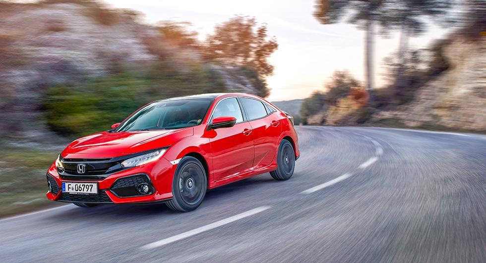 Nya Honda Civic kommer från start som halvkombi. Senare lanseras även en fyradörrars sedan och efter semestern dyker prestandaversionen Type-R med 320 hk upp.