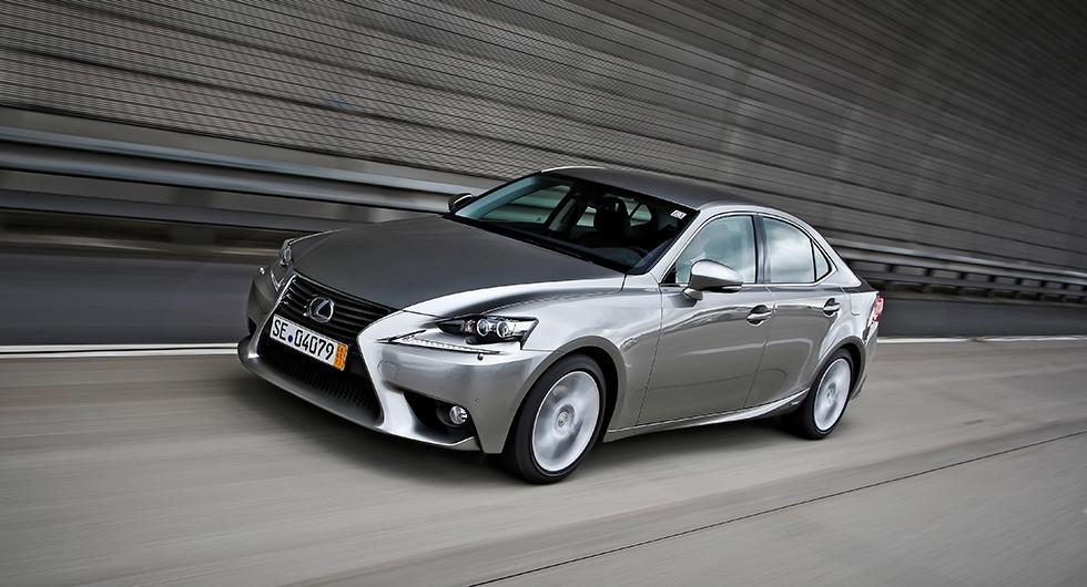 Frågeställaren har en svårstartad Lexus IS 300h i Spanien som inte körs regelbundet.