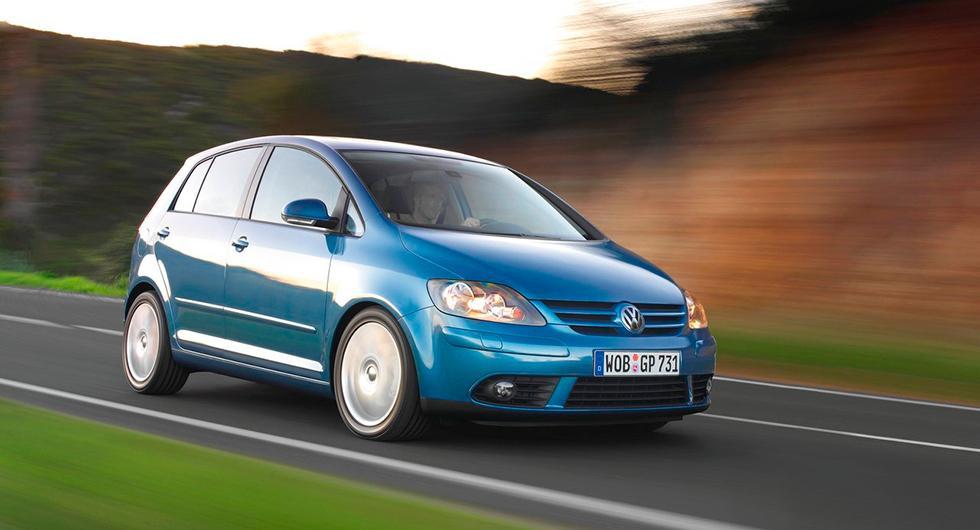 Frågeställaren har en Volkswagen Golf Plus från 2005 och märker att kamkedjan börjat rassla vid start.