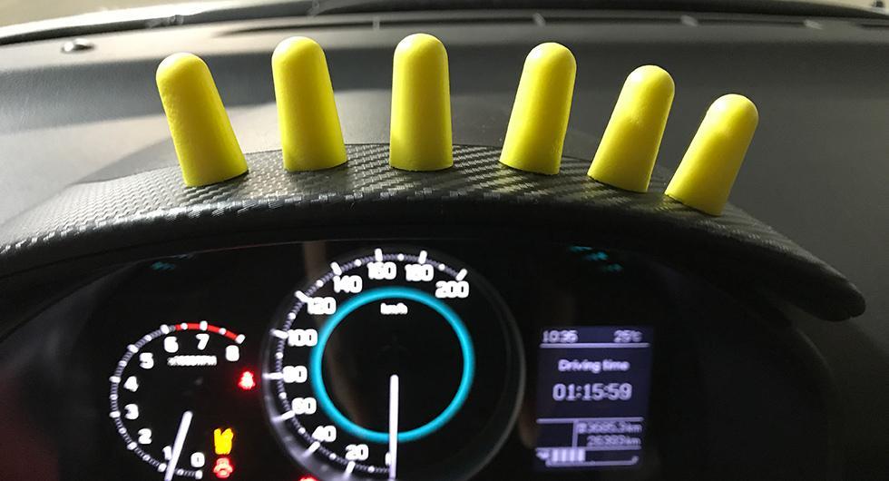 En rejäl uppsättning öronproppar är en bra investering när man ska ut på långfärd med Suzuki Ignis.