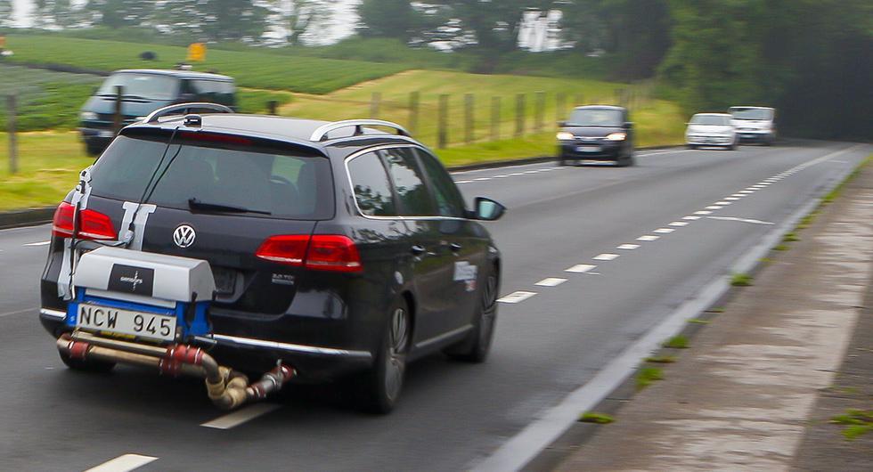 Tuffare tider för fuskare. Nu ska det bli svårare att kringgå avgastester i EU. Striktare testmetoder ska motverka de tidigare alltför optimistiska siffrorna över bilars utsläpp.