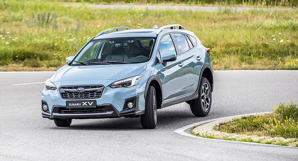 XV bygger på Subarus nya plattform och har fått ett nytt formspråk. Trots detta är XV en exakt kopia på föregångaren.