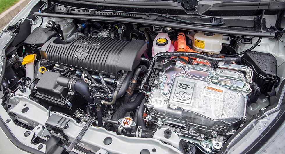 Hybridsystemet, med bensin- och elmotor under huven, är inte Toyotas senaste utan det förra.