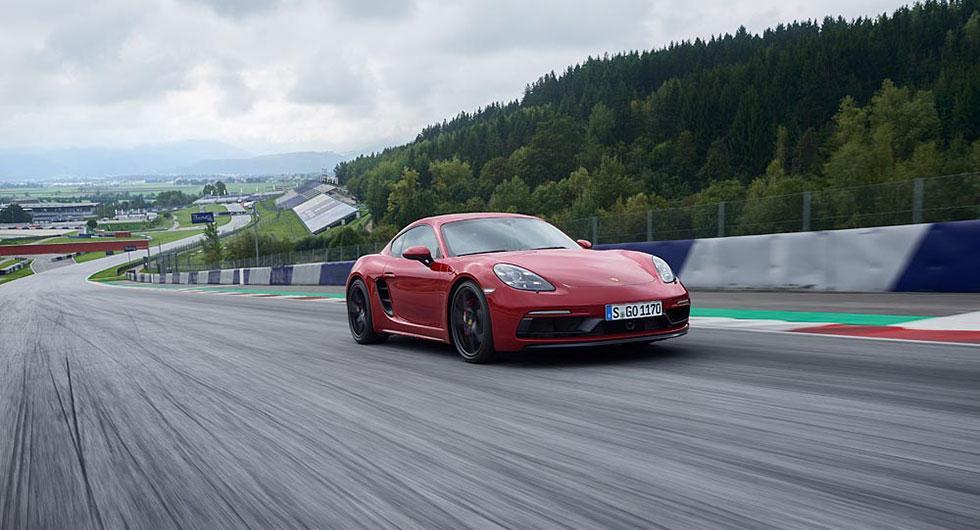 Porsche 718 Cayman GTS.