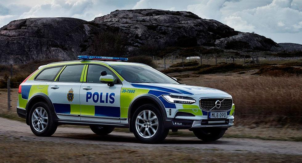 Volvo V90 Cross Country som polisbil