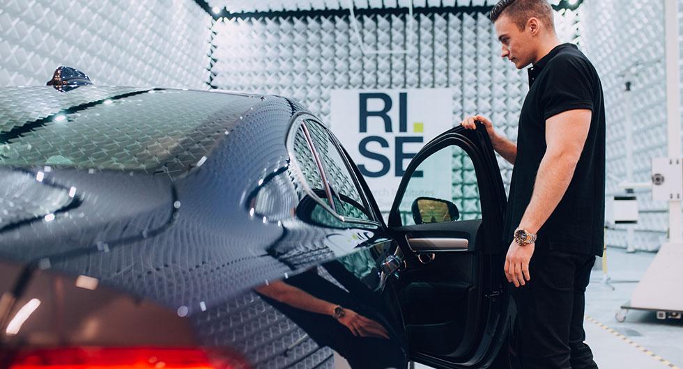 Framtidens bilar störningsprovas i Borås