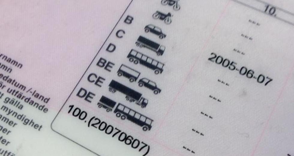 Fler blir av med körkortet