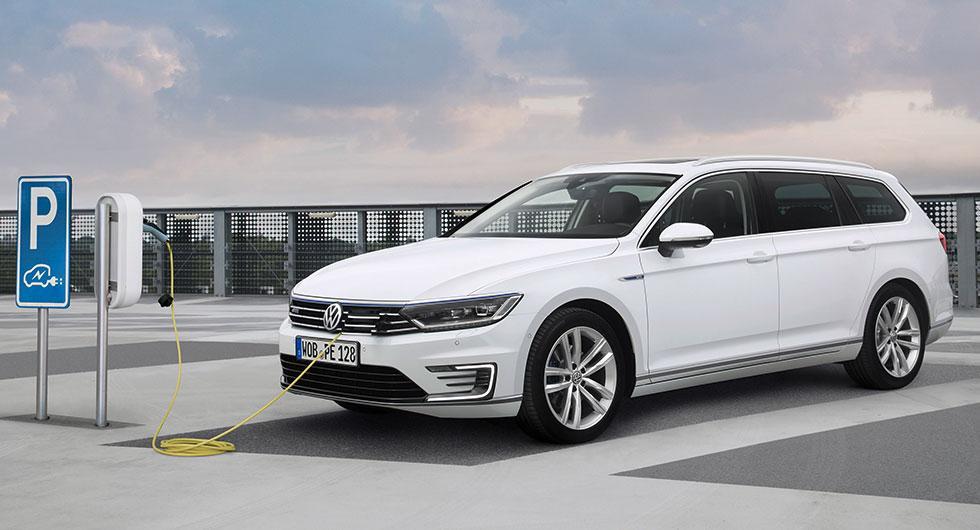 Laddhybriden Volkswagen Passat GTE är den vanligaste laddbara bilen i Sverige just nu.