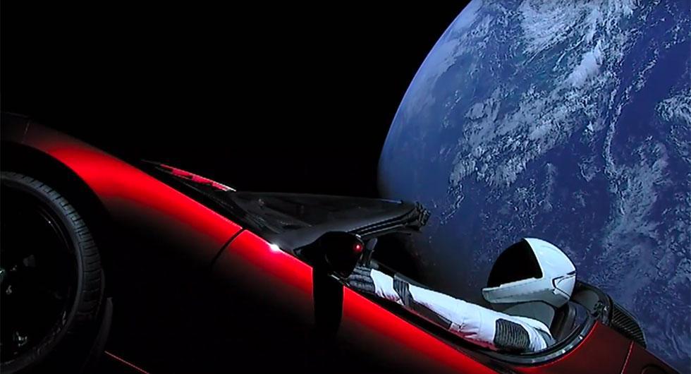 Elon Musk har skjutit upp sin Tesla Roadster i rymden