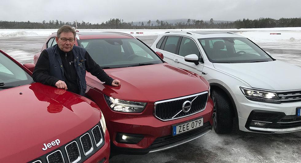 Nya Volvo XC40 redo för test! Övriga bilar på startlinjen är nya Jeep Compass och tidigare testfavoriten VW Tiguan.