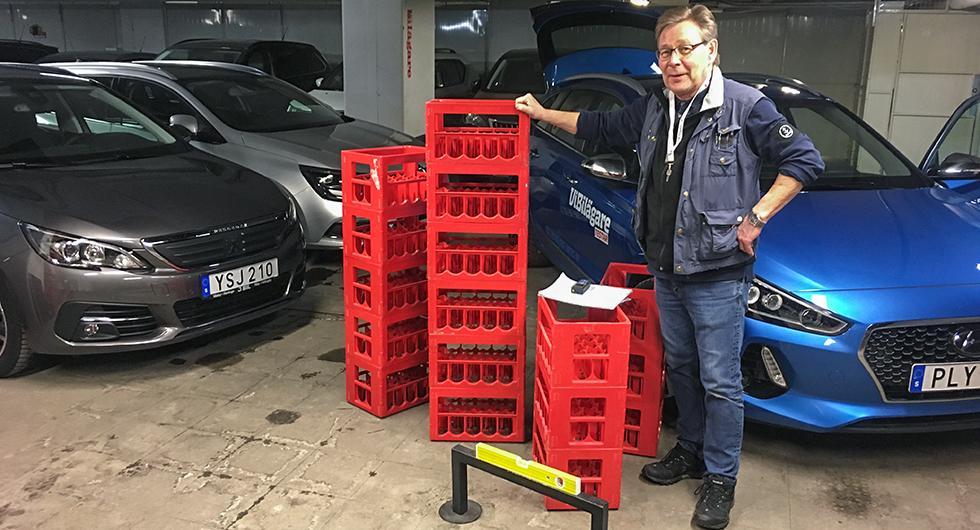 Testledare Schultz i startgroparna för det avslöjande drickabacktestet. Vilken kombi rymmer mest; Hyundai i30, Peugeot 308 eller Renault Megane?