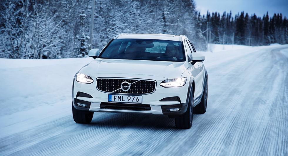 Volvo V90 blev, tillsammans med S90, mest förekommande bilmodell i februari månads nyregistreringar.