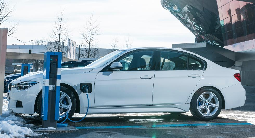 BMW:s nya batterier klarar 70 mil