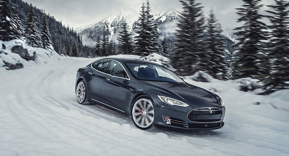 Tesla återkallar – problem med styrningen