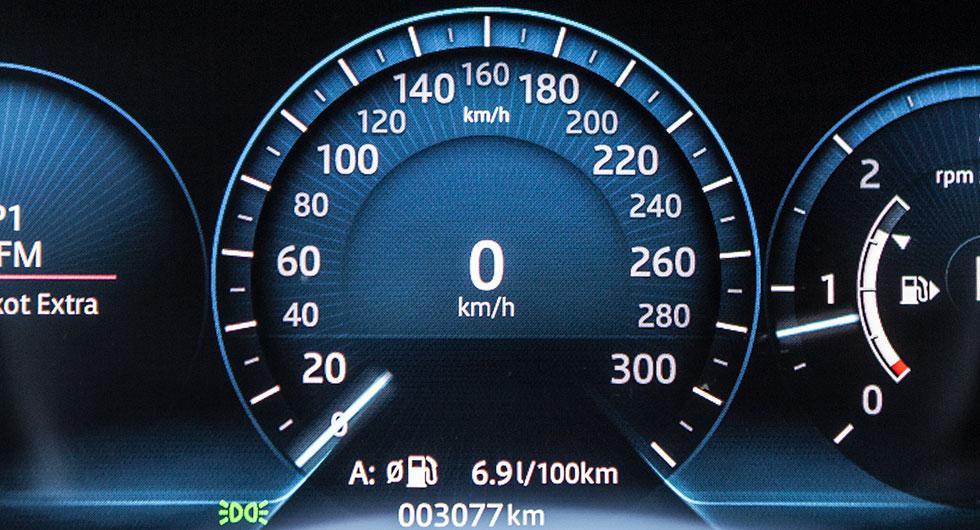 Bilfrågan: Strypa bilarnas maxhastighet?