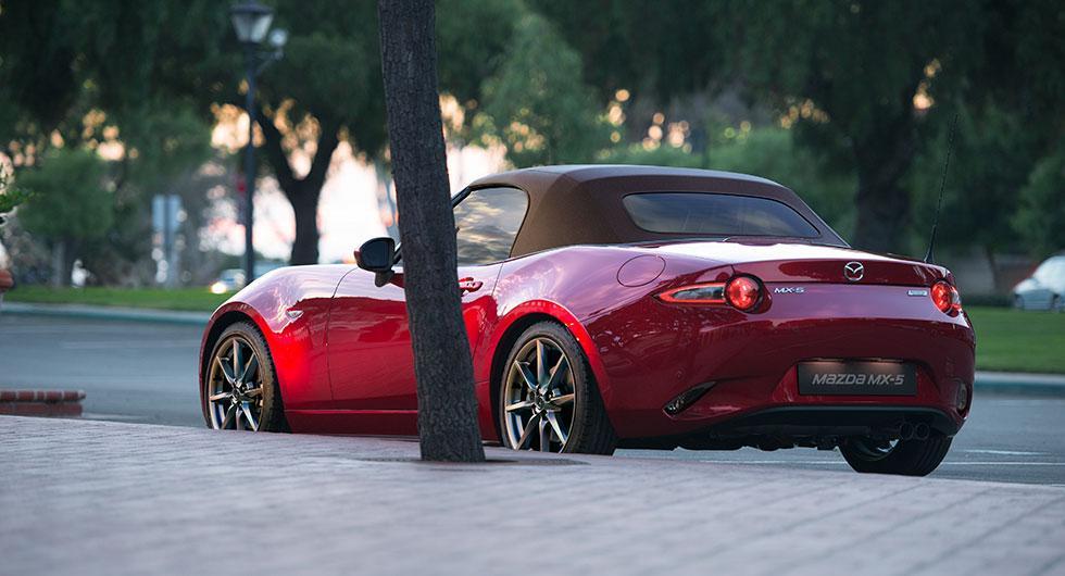 Mazda uppdaterar MX-5