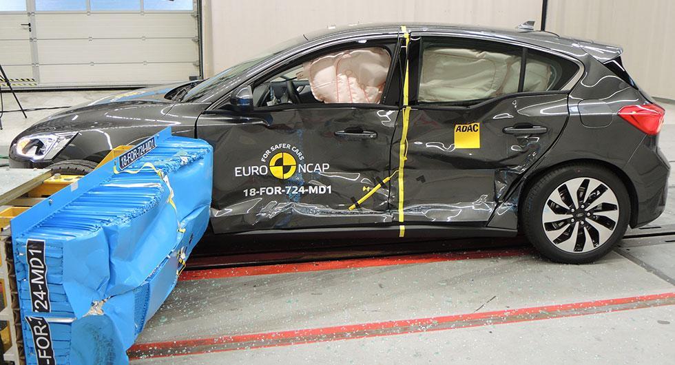 Ford Focus genomförde femstjärnigt krocktest