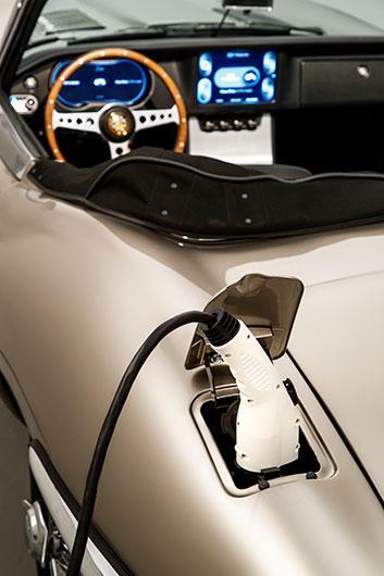 Jaguar gör eldriven E-Type