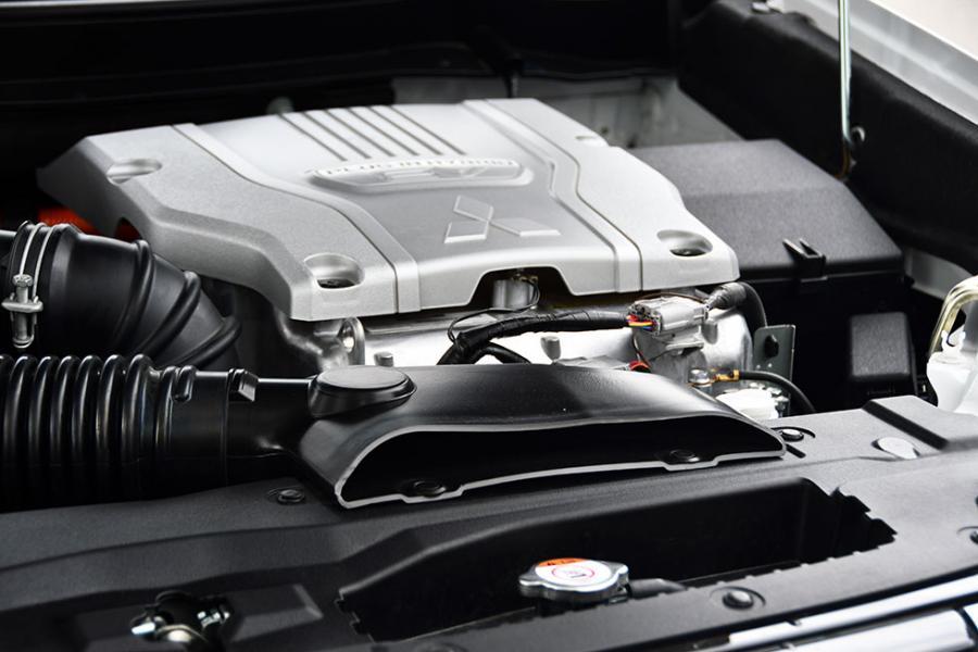 Ny generator. Den bakre elmotorn har fått höjd effekt från 82 till 95 hästkrafter.