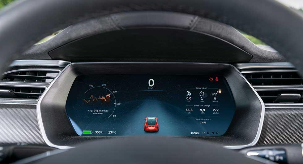 Tesla ändrar självkörande tillval