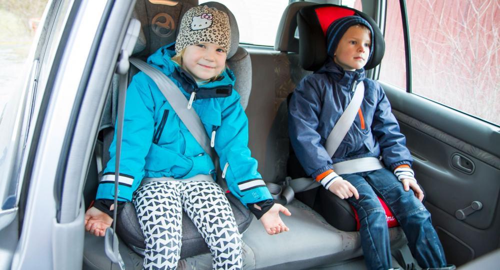 Test: 8 bilbarnstol som är bältesstol
