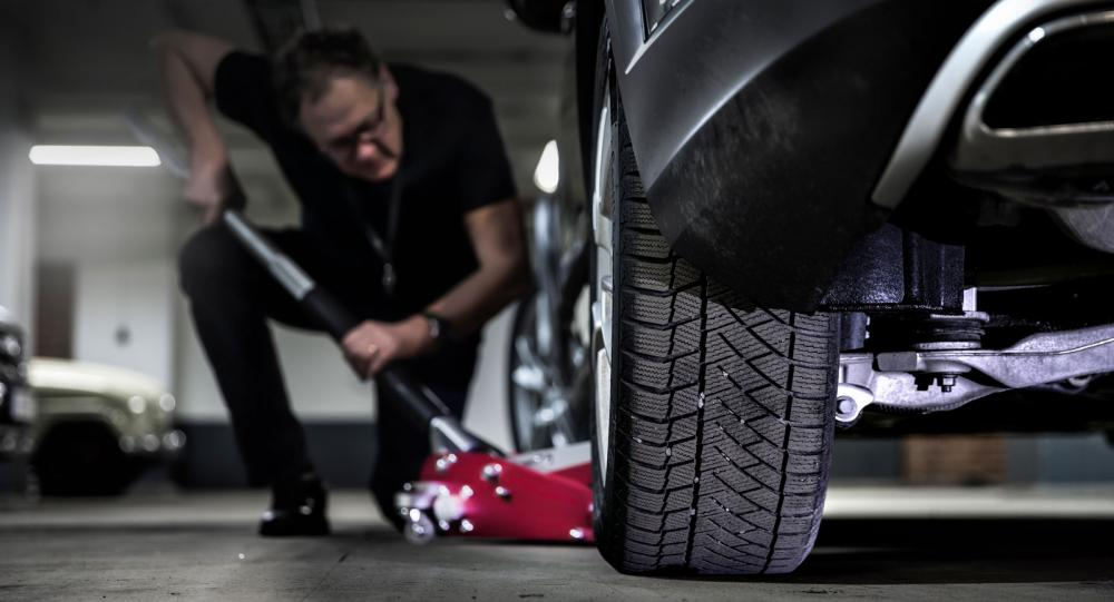 Domkraft – ett lyft för varje garage. (Foto: Niklas Carle).