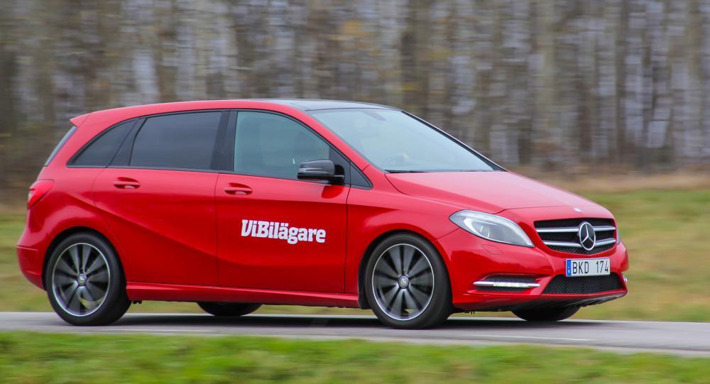 Mercedes B-klass är en högbyggd kompaktbil och konkurrerar både med MPV- och Golfklassen.