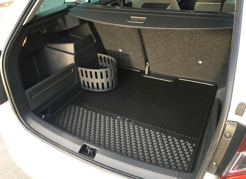 Fabia Combi sedd från sin bästa sida. Kluriga finesser höjer lastlustan och bagaget sväljer hela 530 liter – på par med Mondeo kombi.