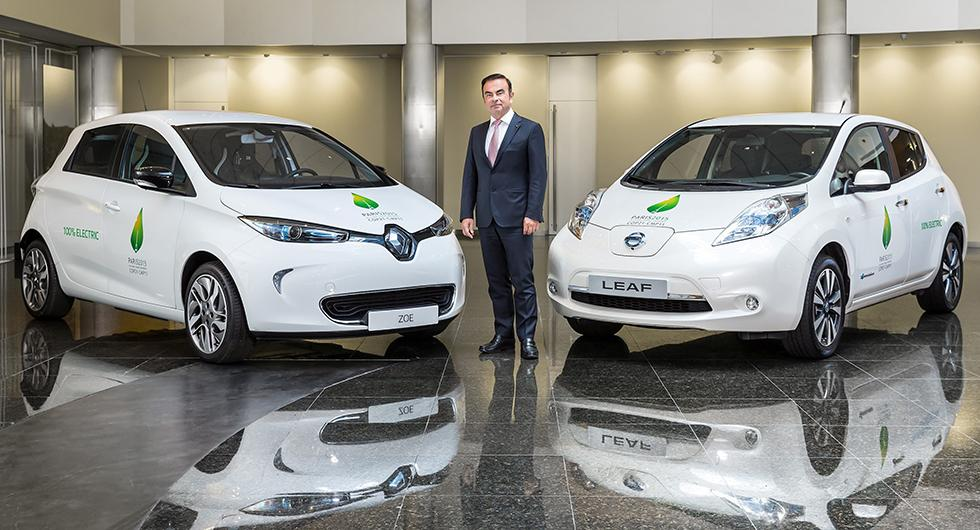 Carlos Ghosn, motorn i samarbetet mellan Renault, Nissan och Mitsubishi, har avgått efter anklagelser om ekobrott.