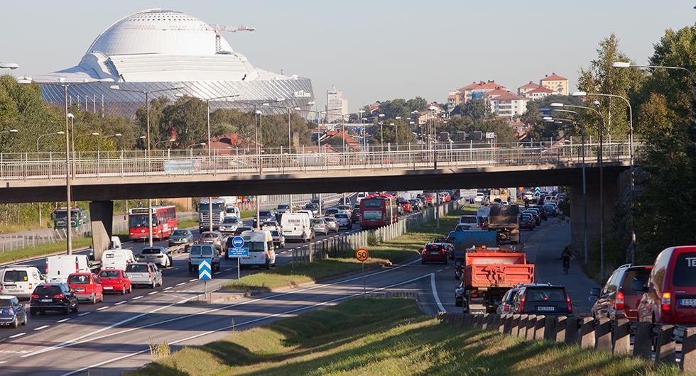 Bråk om miljözoner i samband med att trafikdirektör petas