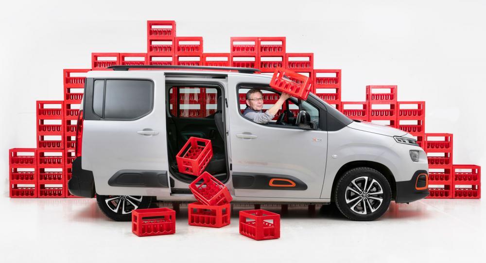 Citroën Berlingo är drickabackstestets okrönta kung. Hela 68 rödbackar går att stuva in i det utpräglat lådformade och lastvänliga bagageutrymmet.