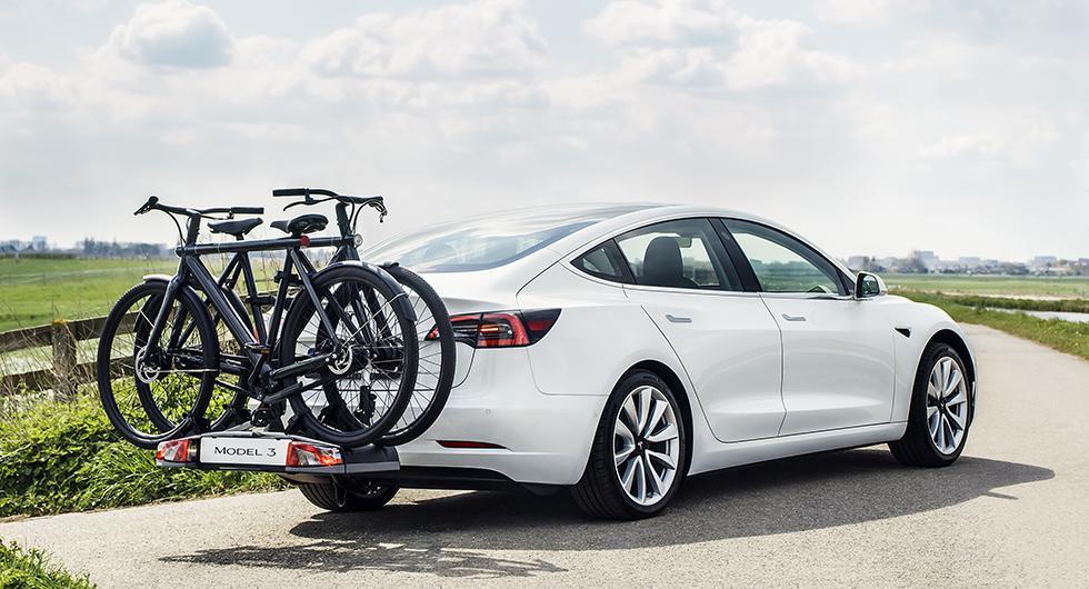 Tesla Model 3 får dragkrok