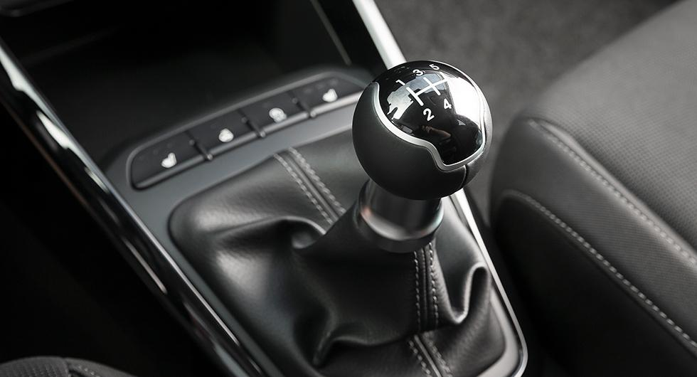 Bilfrågan: Är manuell växellåda på väg bort?
