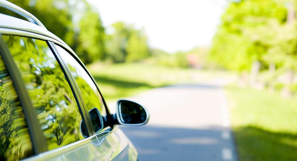 Unga kvinnor är Sveriges mest klimatsmarta bilister