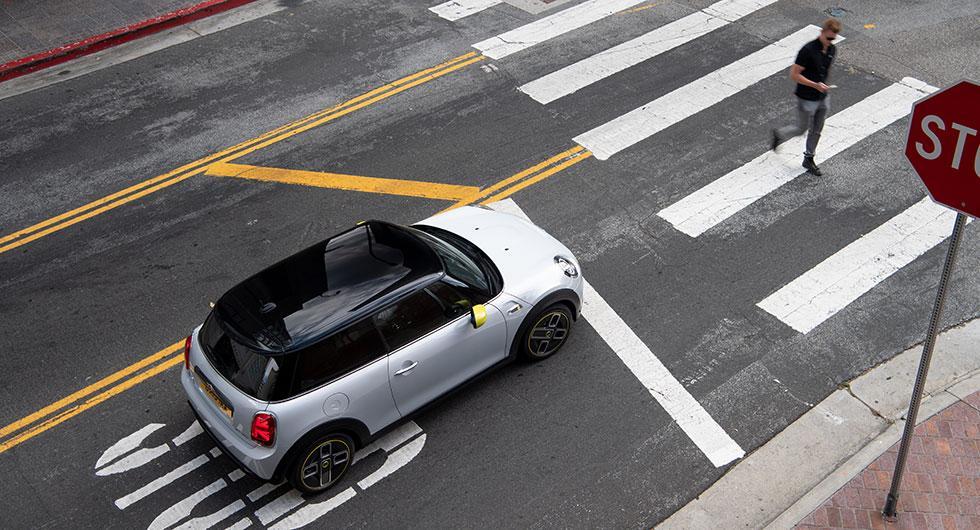 Här är elbilen Mini Cooper SE