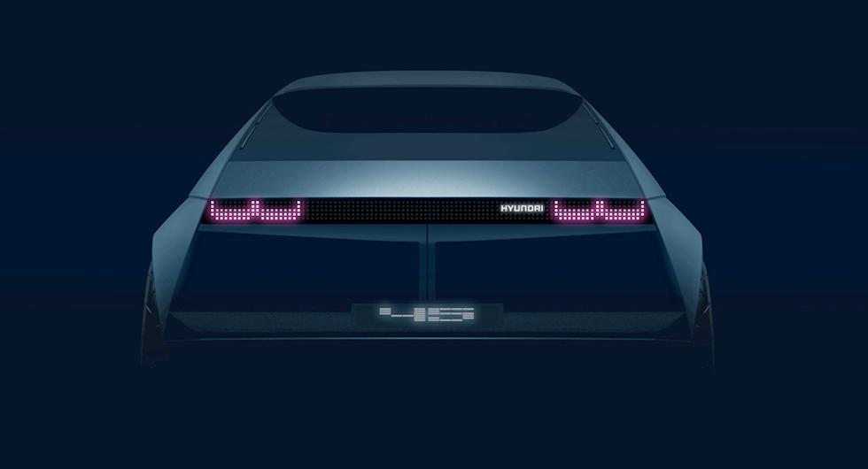 Hyundai ser framåt med tillbakablick