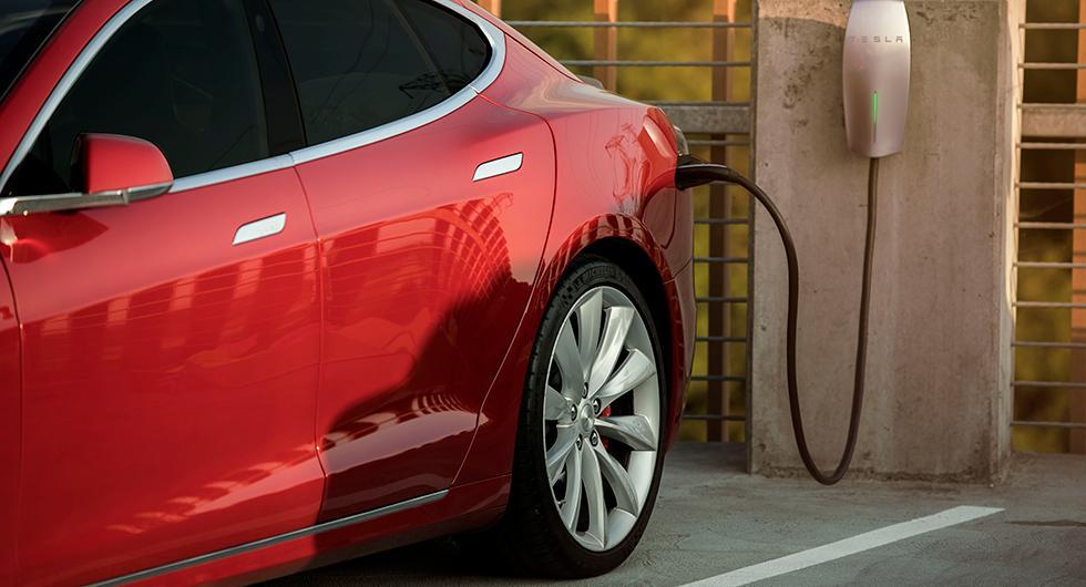 Bilägare stämmer Tesla för försämrad räckvidd