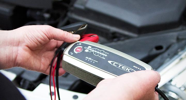 Bilfrågan: Förkortar laddare batteriets livslängd?