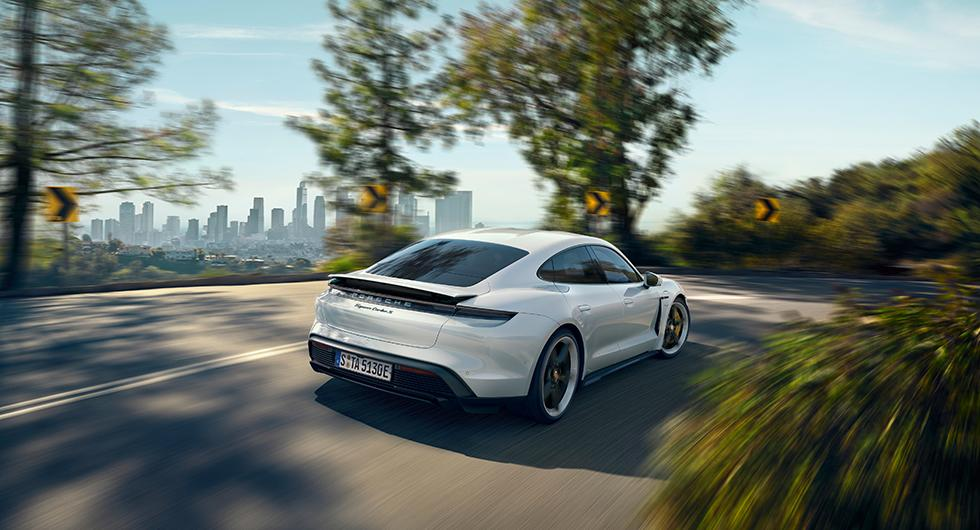 Här är Porsche Taycan