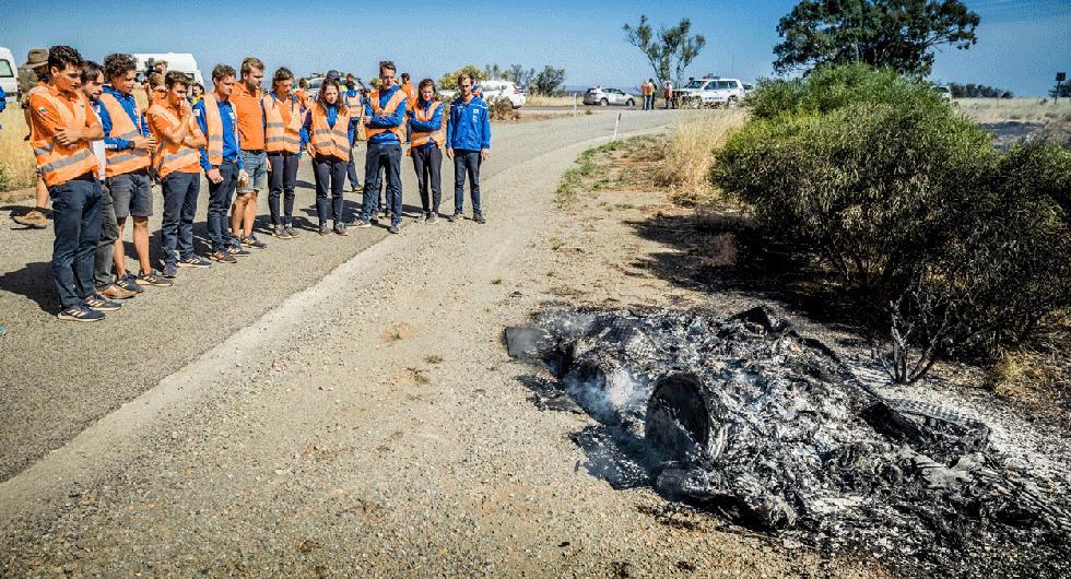 Vattenfalls solcellsbil slukades av lågorna