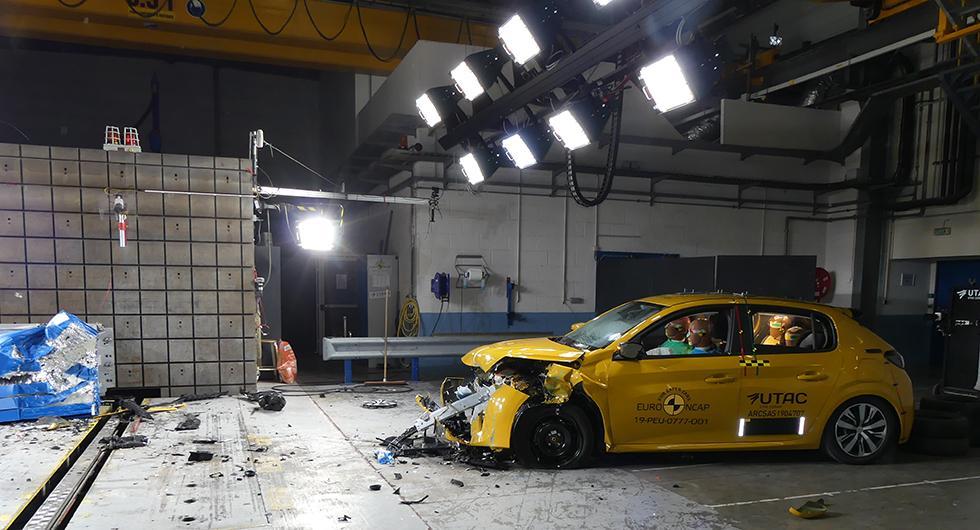 Stjärnfall för Peugeot i krocktest