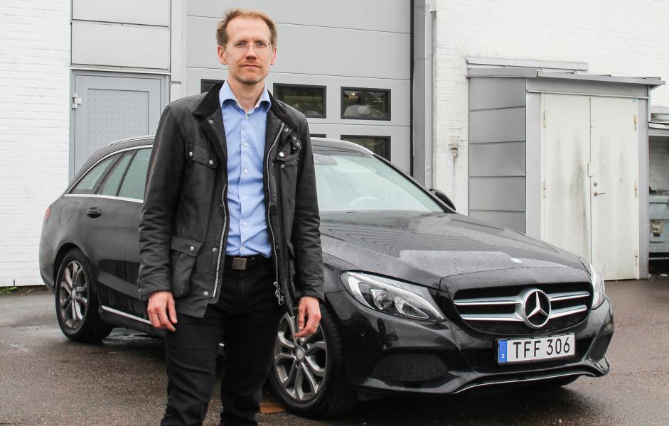 Vattenläckage i tre år gammal Mercedes kostar 85 000 kronor